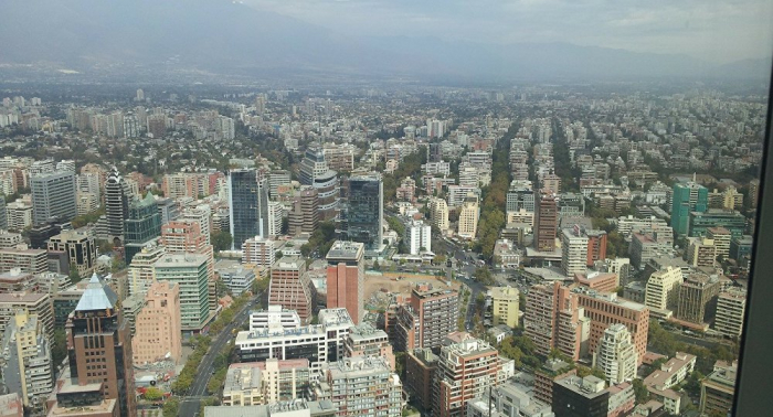 Evacúan Embajada argentina en Chile por ataque de manifestantes