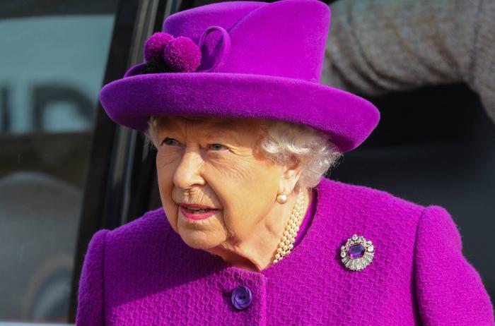 Buckingham, molesto porque 'The Crown' insinúa que Isabel II fue infiel