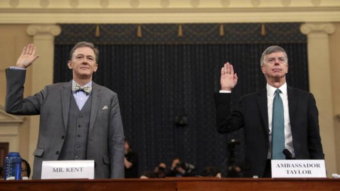 Un testimonio demoledor contra Trump abre las audiencias públicas del 'impeachment'