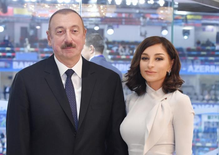 Presidente Ilham Aliyev y primera dama Mehriban Aliyeva asisten a la II Cumbre Internacional de Líderes Religiososde Bakú