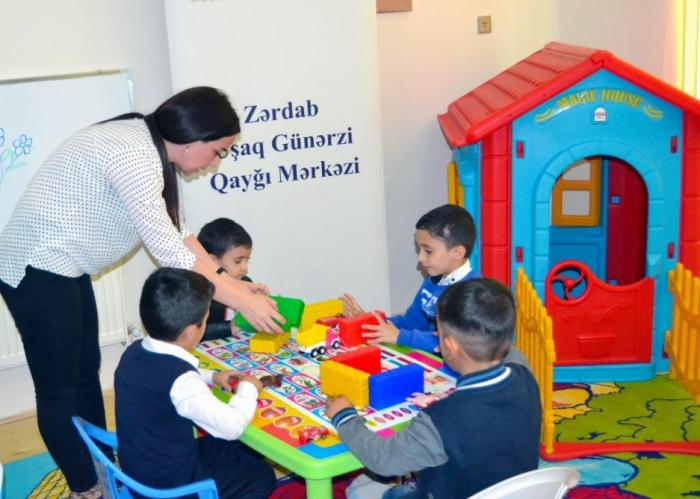 Zərdabda 30-dan çox uşağa günərzi qayğı xidmətləri göstərilir