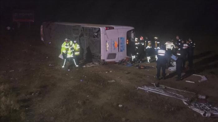 Türkiyədə avtobus qəzası: Ölən və xeyli yaralı var