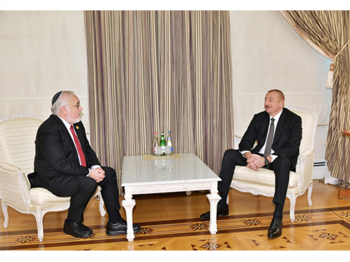 Ilham Aliyev receives president of US Congress of Christian Leaders
