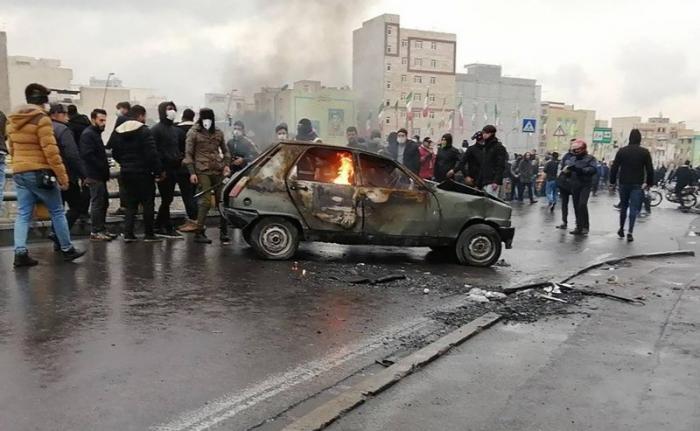 Iran:   40 arrestations lors de manifestations à Yazd contre la hausse du prix de l