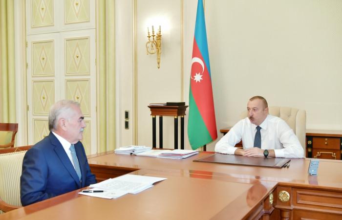 Ilham Aliyev recibe al dirigente de la República Autónoma de Najicheván