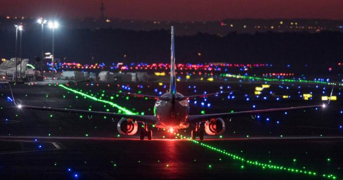 """Flughafen Frankfurt:  Flugzeuge stoßen zusammen -  """"Schwerer Schaden"""", keine Verletzten"""