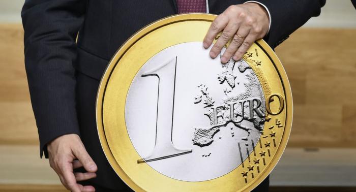 Für mehr Unabhängigkeit: Befreit sich EU von Fesseln des US-Finanzsystems?