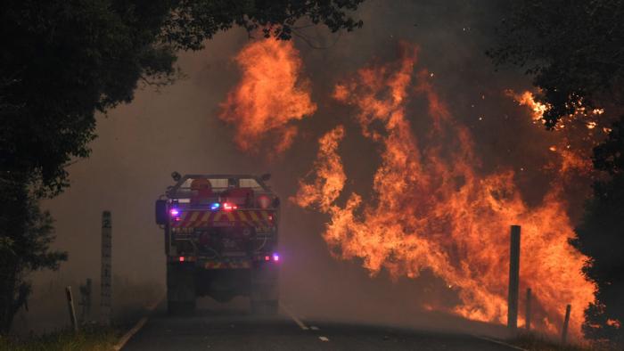 Deportista australiano afirma que los incendios forestales son un castigo de Dios por la legalización del matrimonio homosexual y el aborto