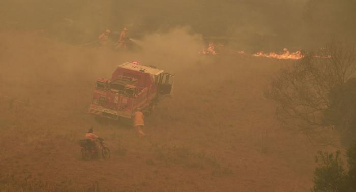 Verheerende Buschbrände in Australien: Sydney in dickem Rauch – Fotos und Videos