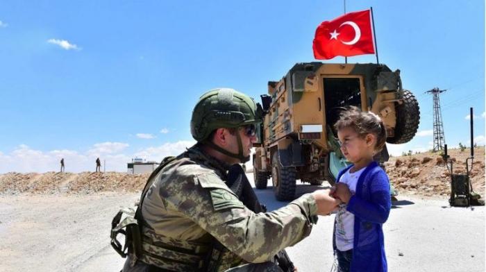 Türkiyə terrorçuların dağıtdığı məktəbləri bərpa edir