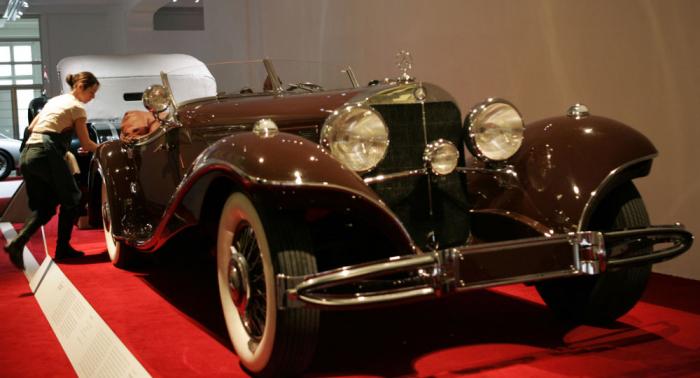 Chinese baut sich Mercedes-Benz aus Holz – Ergebnis lässt sich blicken – Video