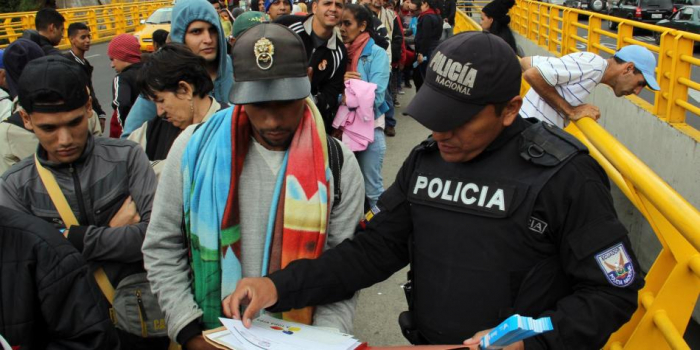 Colombia cierra todos sus pasos fronterizos por la huelga nacional contra Iván Duque