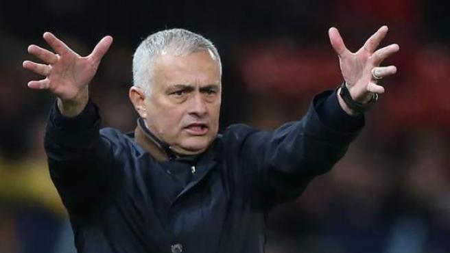 El Tottenham hace oficial el fichaje de Mourinho para sustituir a Pochettino