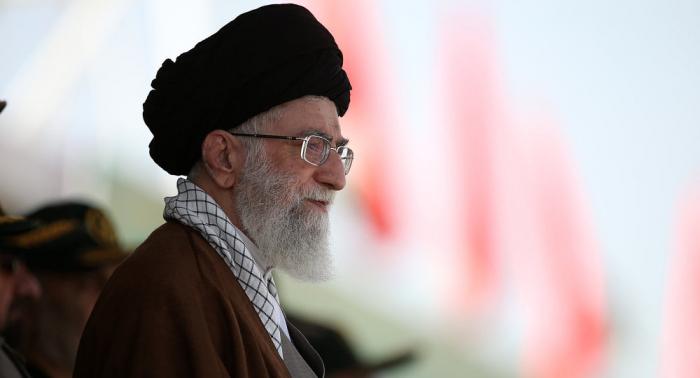 El ayatolá Jameneí afirma que Irán no se dejará doblegar en la guerra económica