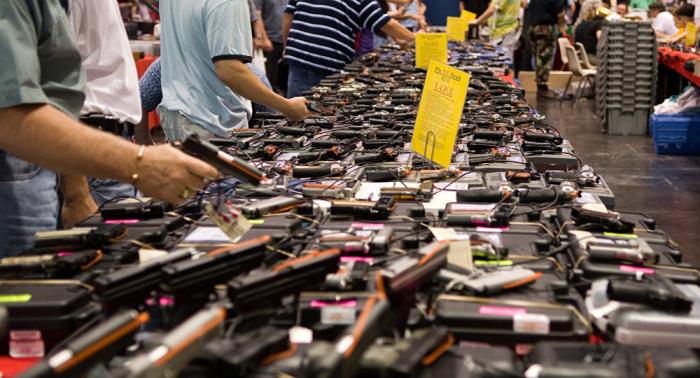 California pide urgentemente el control de armas de fuego