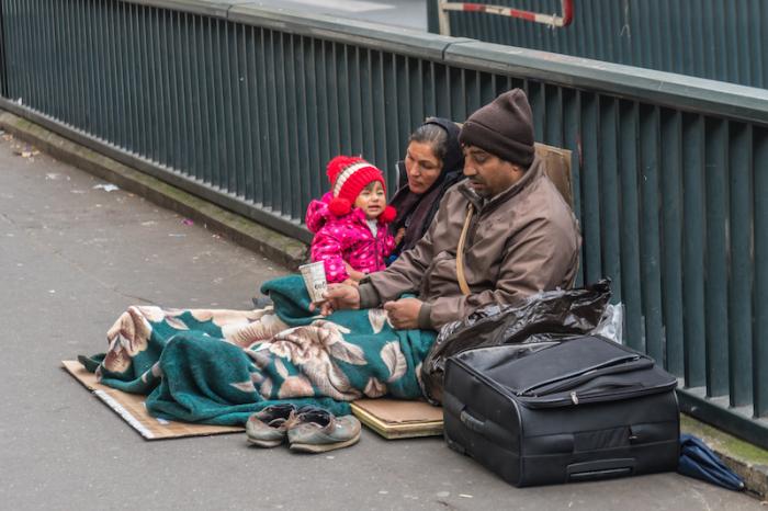 700 enfants et leur famille dormiraient dans les rues de Paris, tous les soirs