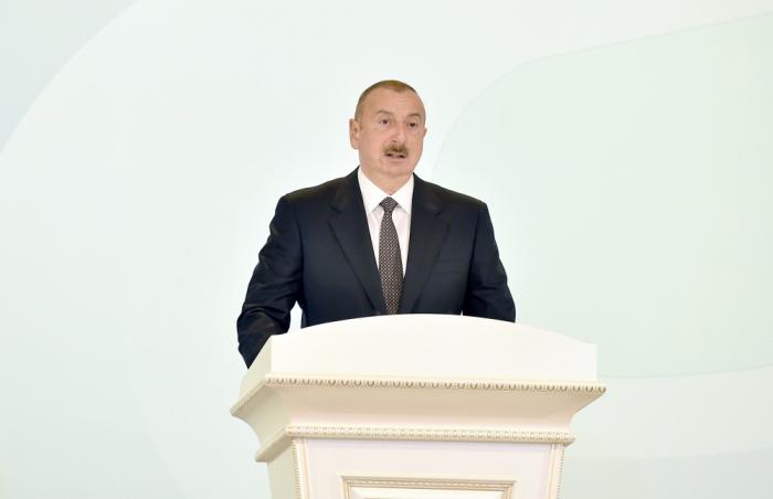 """""""Heydər Əliyevə yalvarırdılar ki, bizi xilas elə"""" - Prezident AXC-Müsavat dövründən danışdı"""