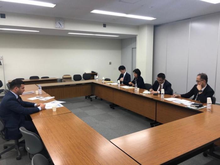 Azerbaiyán y Japón estudian la cooperación en materia de pequeñas y medianas empresas