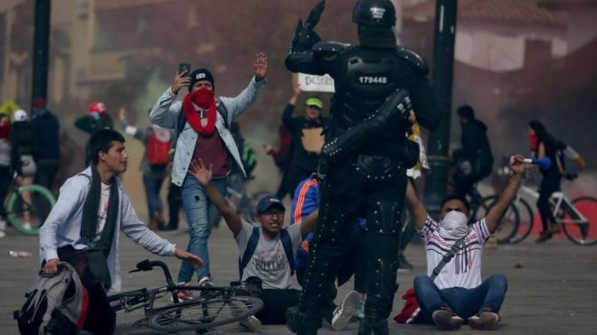 Colombia protests: Troops stay on streets as unrest continues