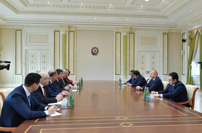 Presidente Ilham Aliyev recibe al ministro de Exteriores de Eslovaquia