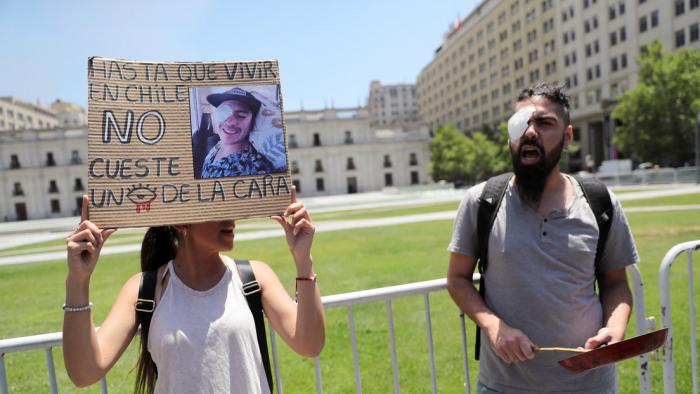 Víctimas de traumas oculares por represión en Chile anuncian querella contra Piñera