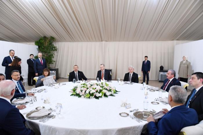 Ilham Aliyev et Erdogan participent à une réception - PHOTOS