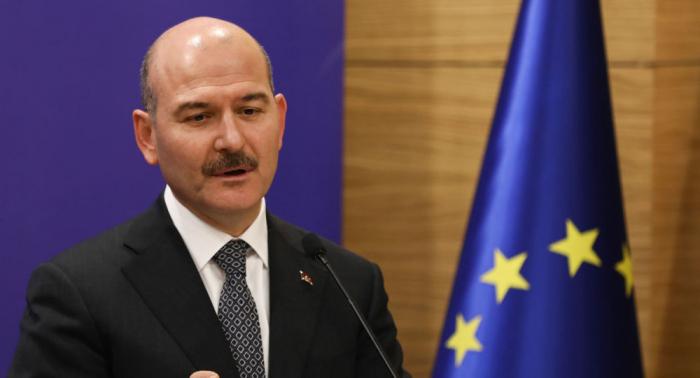 مشادة كلامية عنيفة بين وزير الداخلية التركي ونائب معارض في البرلمان... بالفيديو