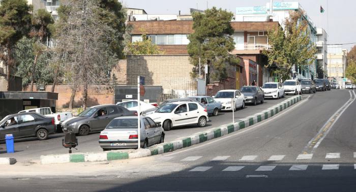 وزير إيراني: أي زيادة في أسعار السلع الأساسية تعتبر انتهاكا