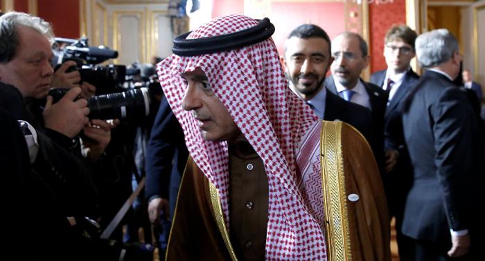 بومبيو يبحث مع الجبير قضايا اليمن وسوريا والعراق ولبنان