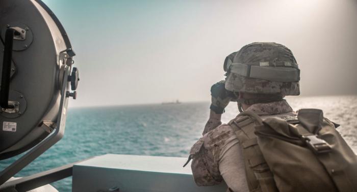 الجيش الإيراني ينفذ مناورات تحاكي الدفاع عن الخليج ومضيق هرمز