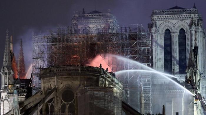 Streit über Notre-Dame-Wiederaufbau