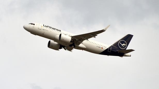 Grève en Allemagne: Lufthansa annonce la suppression de 1300 vols jeudi et vendredi