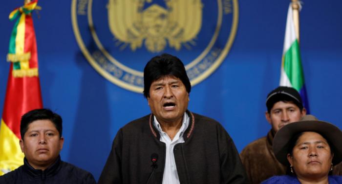 رئيس بوليفيا المستقيل: أمريكا عرضت علي طائرة خاصة لطردي من البلاد