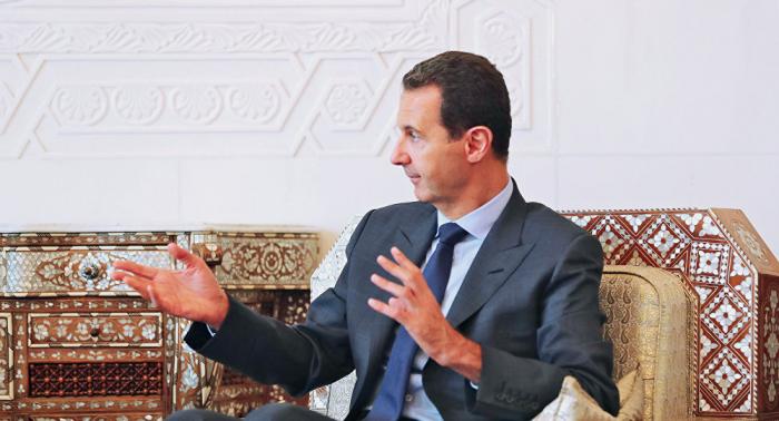 خبير يتحدث عن خطة ماكرة للولايات المتحدة للإطاحة بالأسد باستخدام اللجنة الدستورية