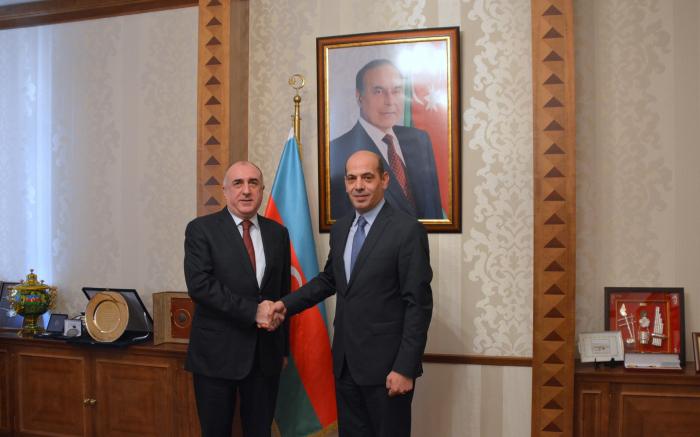 Elmar Mammadyarov recibe al flamante embajador jordano