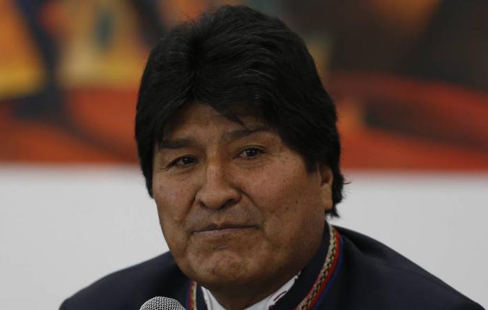 Boliviyanın istefa verən prezidenti ölkəni tərk edib