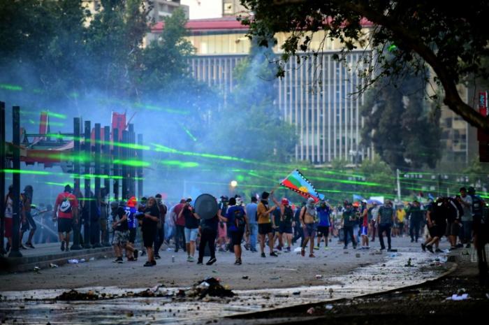 Chili: le président condamne pour la première fois les violences policières