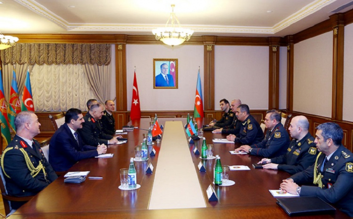 Zakir Hasanov meets with high-level Turkish military delegation