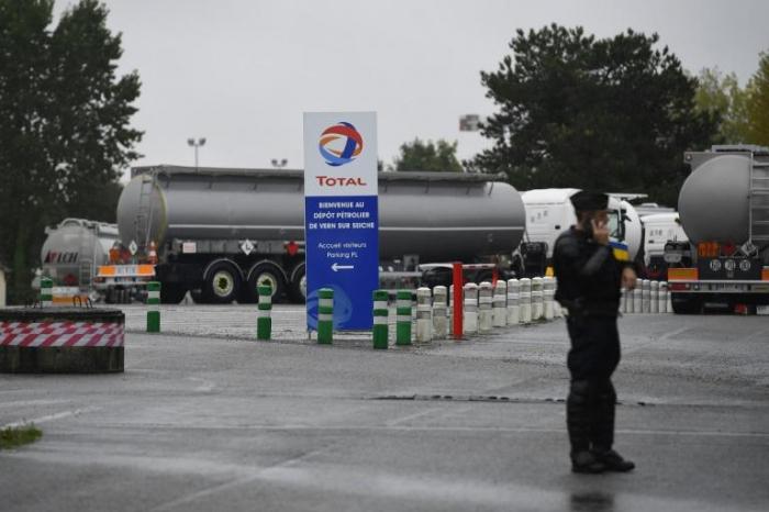 Poursuite du blocage des dépôts pétroliers en Bretagne et au Mans