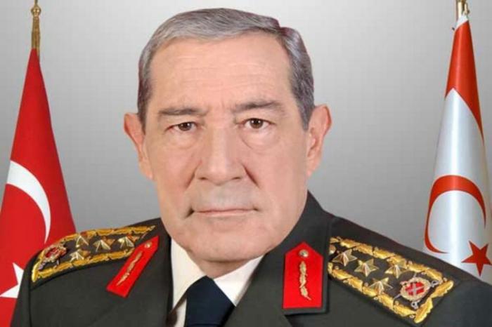 Fallece elex jefe del Estado Mayor turco