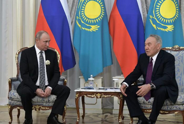 Nazarbayevlə Putin görüşdü