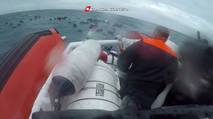 Shocking footage shows girl rescued by divers off Italian coast-  NO COMMENT