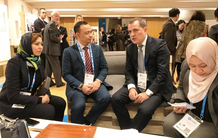 Ceyhun Bayramov se reúne con ministros de Educación de Turquía, Rusia y Malasia