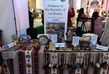 Embajada de Azerbaiyán participa en una campaña de caridad