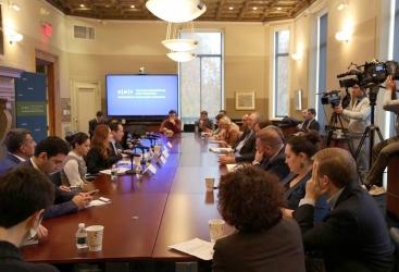 Fiasco armenio en EEUU: Los diputados no pudieron responder a la pregunta del periodista azerbaiyano