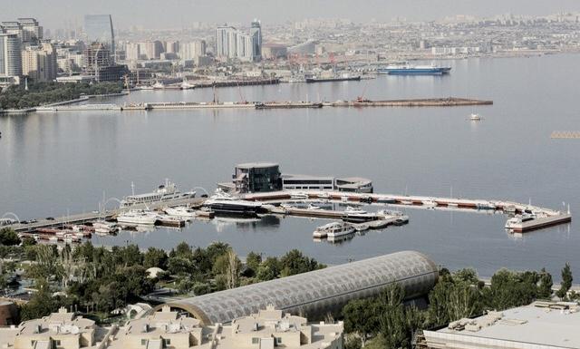 """Bakú acoge la conferencia """"Objetivos de desarrollo sostenible y entorno empresarial"""""""