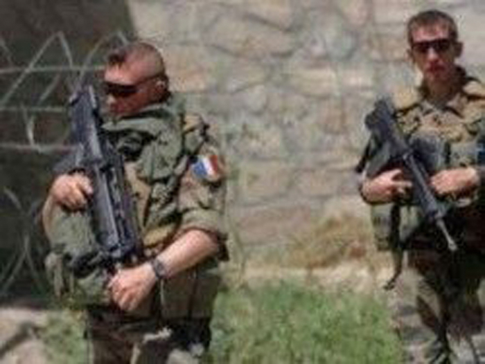French troops pursuing Mali militants killed in helicopter collision