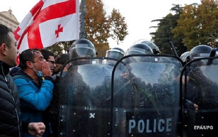 Tbilisidə 37 etirazçı saxlanılıb, 6 nəfər yaralanıb