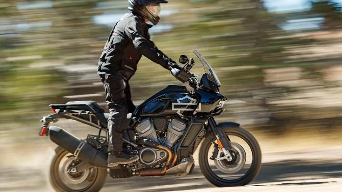 Harley wildert jetzt im Reich von BMW