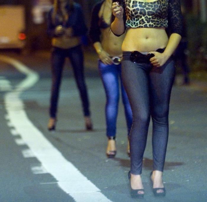 Wie Jugendliche in die Prostitution gezwungen werden
